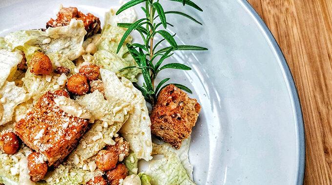 vegán cézár saláta recept bódi sylvi vegánblog