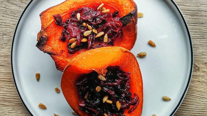 karamellizált lilahagyma meggydzsemmel recept vegánblog